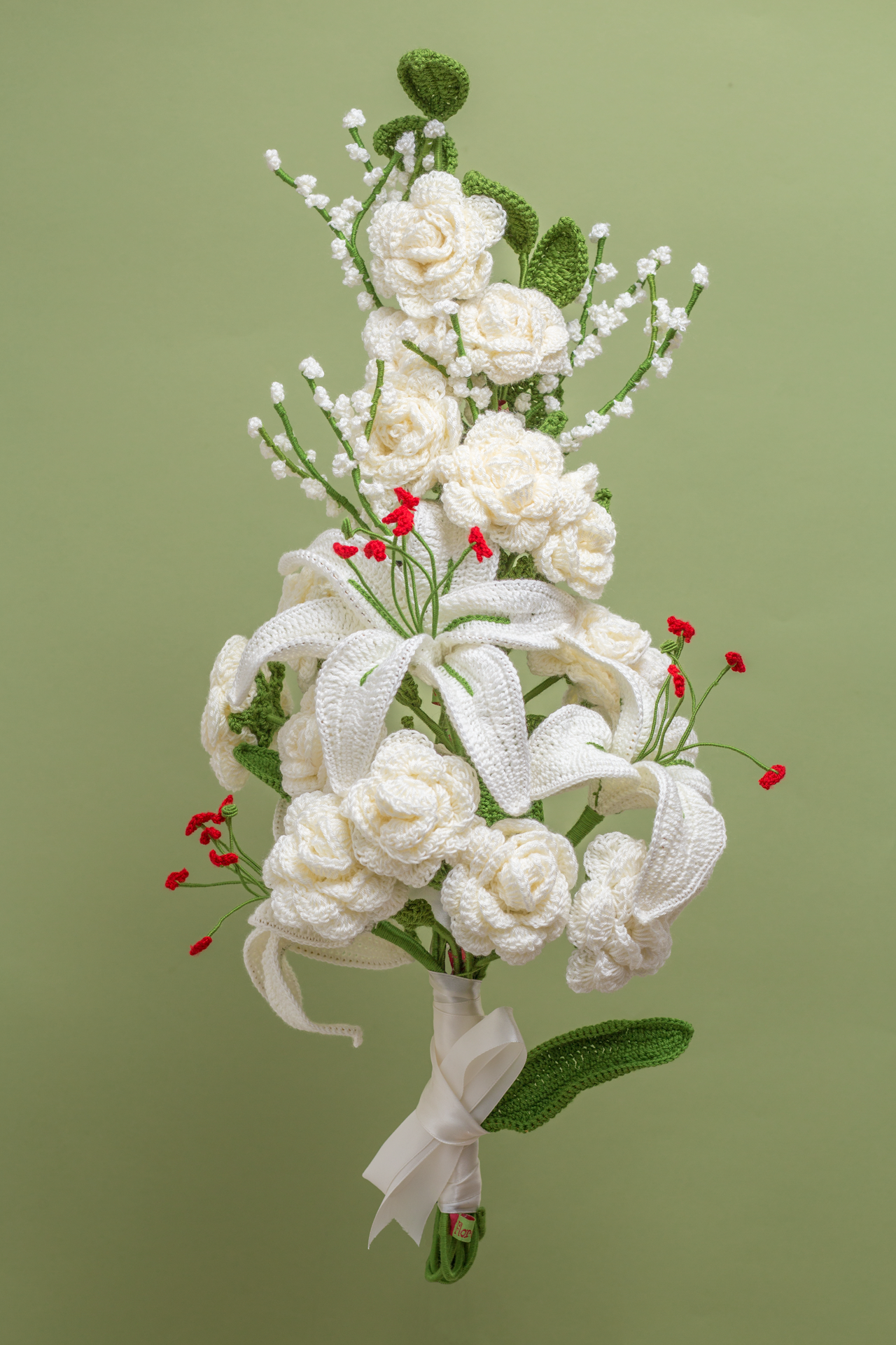 Roses, Lilies & Gypsophilas (+ greenery)